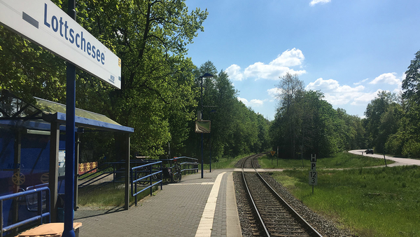 Bahnsteig in Lottschesee, Foto: Michael Jungclaus, MdL